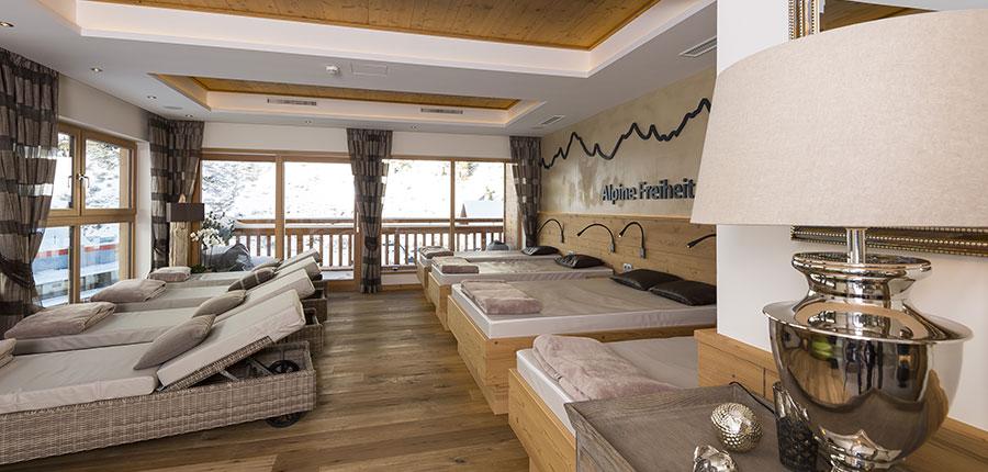 Hotel Jenewein, Obergurgl, Austria - relaxation room.jpg